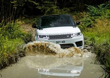 Range Rover Sport bliver først til at slæbe elmotorer gennem sølet