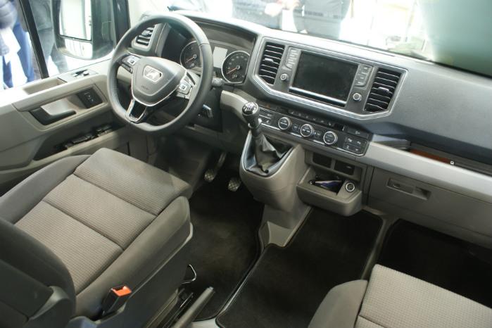 I kabinen er der business as usual - dvs høj standard for komfort og sikkerhed