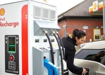 Shell har allerede åbnet ladestationer med almindelig kapacitet i bl.a. England, men i samarbejde med IONITY skal kapaciteten mangedobles