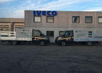 De to lydløse skraldebiler til Århus Kommune kan køre på ren el i bymidten og på diesel uden for miljøzonerne