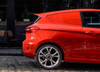 Varerummet bliver på 1.000 liter og er bygget af Ford selv i stedet for en dansk ombygger