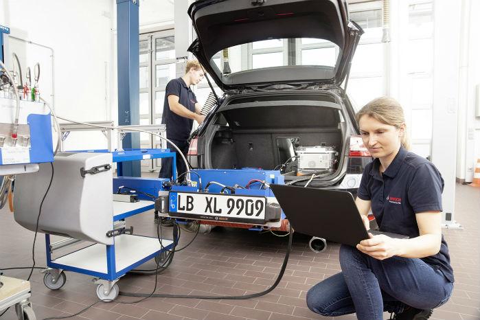 Med brug af kunstig intelligens hæver Bosch at kunne fjerne alle partikler fra forbrændingsmotorens udstødning