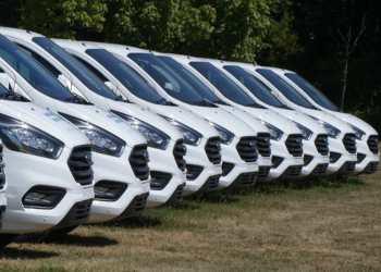 Ford bliver ved med at sende en lind strøm af Custom-modeller ude på de danske veje. I juli toppede modellen listen med 206 eksemplarer. Foto: Altomvarebiler
