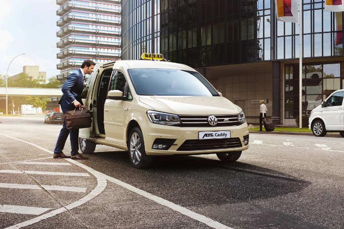 Taxiversionen af ABT e-Caddy er baseret på den forlængede Caddy Maxi og har dermed plads til fem personer plus bagage