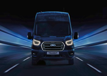 Første teaser-billede af den nye Transit viser et nyt 'ansigt' foran de opdaterede 2.0 Ecoboost motorer
