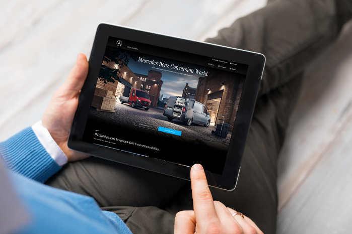 Den nye digitale platform skal give slutkunden overblik over mulighederne for op- og ombygninger. Foto: Mercedes-Benz