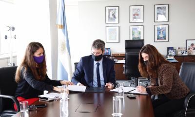 Los ministros Elizabeth Gómez Alcorta y Matías Lammens y la secretaria de Deportes Inés Arrondo fueron los presentadores.