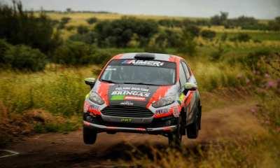 Los pilotos riocuartenses Francisco y Martín Herrera se calzaron el guardapolvo en el 8° Rally Master de la Tracción Simple corrido en la ciudad puntana de la Toma.