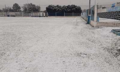 La nieve cubrió la cancha de Alberdi.