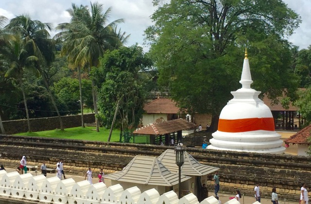 temple-of-the-tooth-complex-kandy