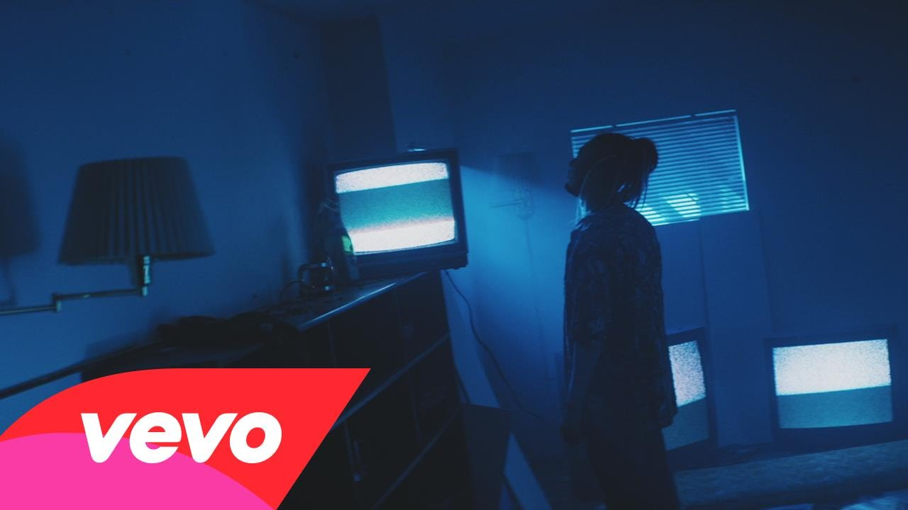 Dillon Francis, Skrillex – Bun Up the Dance