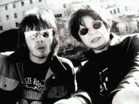 Supergrass – Caught By The Fuzz