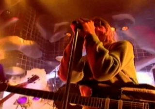 Nirvana – Smells Like Teen Spirit (Top Of The Pops 1991)