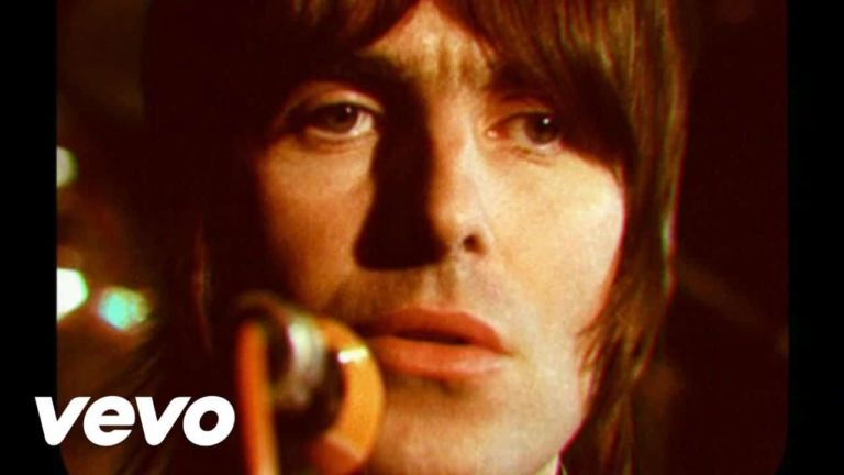 Oasis – Stop Crying Your Heart Out