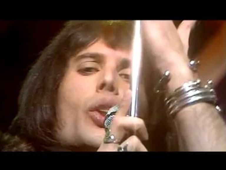 Queen – Killer Queen (Top Of The Pops, 1974)