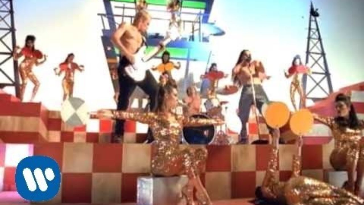 Red Hot Chili Peppers – Aeroplane