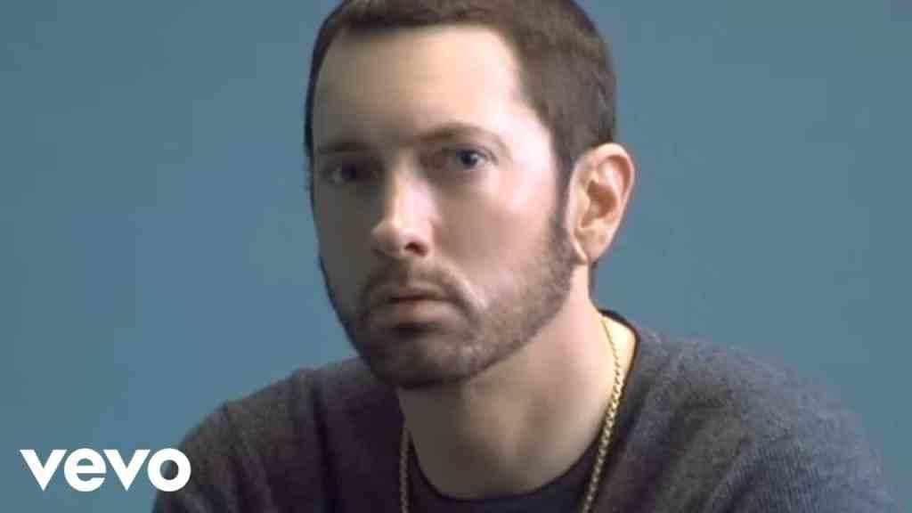 Eminem – River