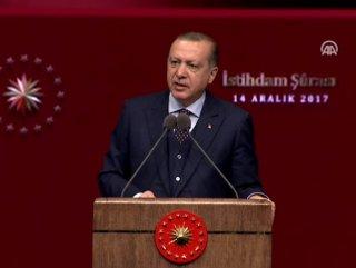 Cumhurbaşkanı Erdoğan'dan gençlere yeşil pasaport müjdesi