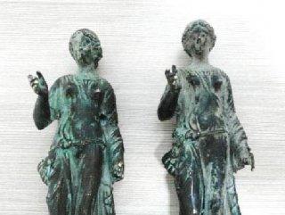 Denizli'de iki araçta tarihi eserler ele geçirildi