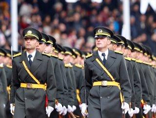 Milli Savunma Bakanı: 9 bin 753 subay ve astsubay yetiştirilecek