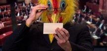 Macaristan'da tavuk kostümüyle seçim konuşması