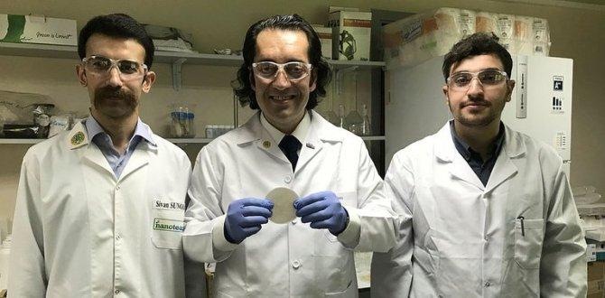 Türk bilim adamları, çelikten daha güçlü ve hafif nanoselüloz film üretti.