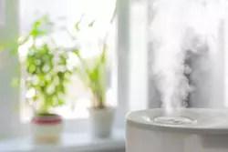 水垢やカビ、嫌な臭いを防ぐ! 加湿器の掃除方法をチェック