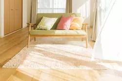 4. 家具やカーテンの日焼けを防ぐ