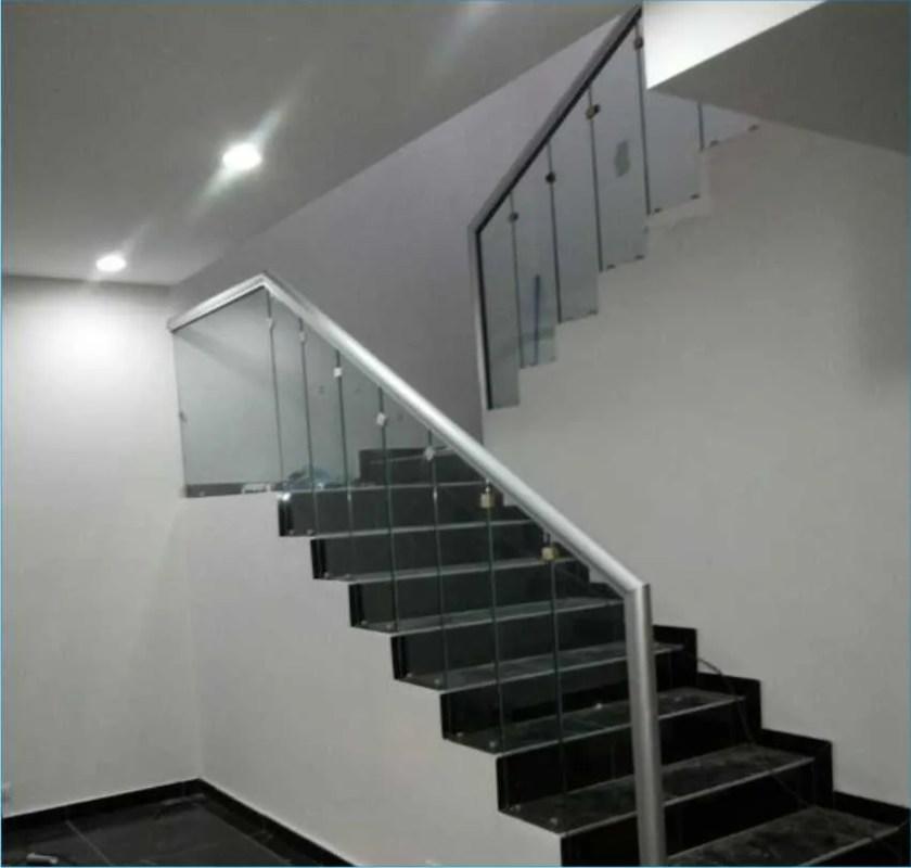 Puertas para ba o soluciones para la nueva arquitectura for Pasamanos de aluminio