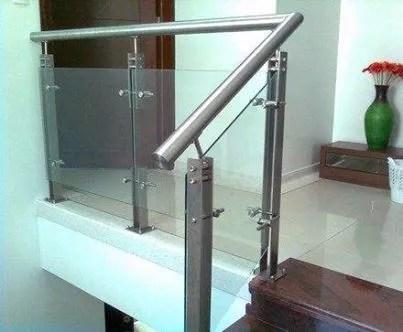 50 formas de evitar caerse pasamanos pasamanos de metal - Puertas para escaleras ...
