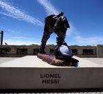 تمثال ميسي يتعرض للتخريب في الأرجنتين