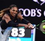 سيرينا تتوج بلقب أستراليا المفتوحة للتنس بعد الفوز على شقيقتها فينوس