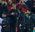 كلوب يدخل في مشادة مع مشجع بعد مباراة ليفربول وتشيلسي