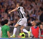 يوفنتوس يقهر لاتسيو بثنائية ويتوج بطلا لكأس إيطاليا
