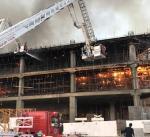 """""""الاطفاء"""": حاصرنا الحريق الذي شب بمبنى قيد الانشاء في جنوب السرة"""