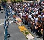 """شرطة الاحتلال الإسرائيلي تعتقل مفتي القدس أثناء أدائه الصلاة أمام بوابة """"الأقصى"""""""