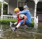 نشر 1000 جندي إضافي في تكساس مع استمرار الإعصار هارفي