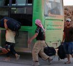 بدء خروج لاجئين ومسلحين سوريين من عرسال اللبنانية إلى سورية