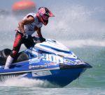متسابق كويتي يشارك في بطولة العالم للدراجات المائية بولاية شيكاغو