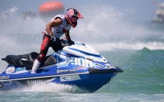 للسنة الثالثة على التوالي.. المتسابق الفاضل يحقق المركز الأول في بطولة الدراجات المائية بأميركا