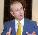 """سفير بريطانيا لدى الكويت: ندعم """"بقوة"""" جهود الوساطة الكويتية لحل الازمة الخليجية"""
