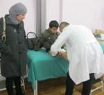 الهلال الأحمر يعيد الحياة لطفل فلسطيني بعد تركيب طرفين صناعيين لقدميه