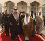 وزير الدفاع القطري يغادر البلاد