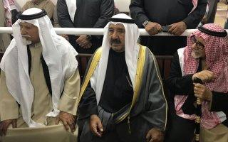 وزير الدفاع يتقدم مشيعي الطالب الضابط مبارك العازمي
