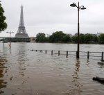 ارتفاع منسوب مياه نهر السين في فرنسا يشل حركة المواصلات