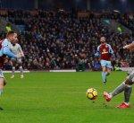 مانشستر يونايتد يقتنص فوزاً صعباً من أنياب بيرنلي العنيد في الدوري الإنجليزي