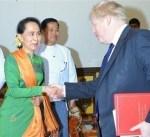 وزير الخارجية البريطاني يناقش أزمة الروهينجا مع زعيمة بورما