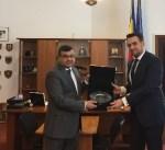 السفير الكويتي يبحث أوجه التعاون الأمني مع وزير الدولة بوزارة الداخلية الرومانية