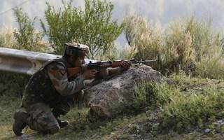 """الهند: مقتل 5 مدنيين في قصف باكستاني عبر """"خط السيطرة"""" في كشمير"""