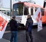 """ألمانيا: نقابة """"فيردي"""" تواصل إضراب الخدمات العامة"""